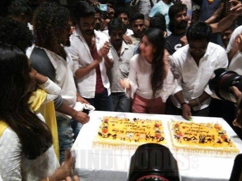Sai Pallavi And Kalloori Vinoth Birthday Celebrations With Maari 2 Movie Team