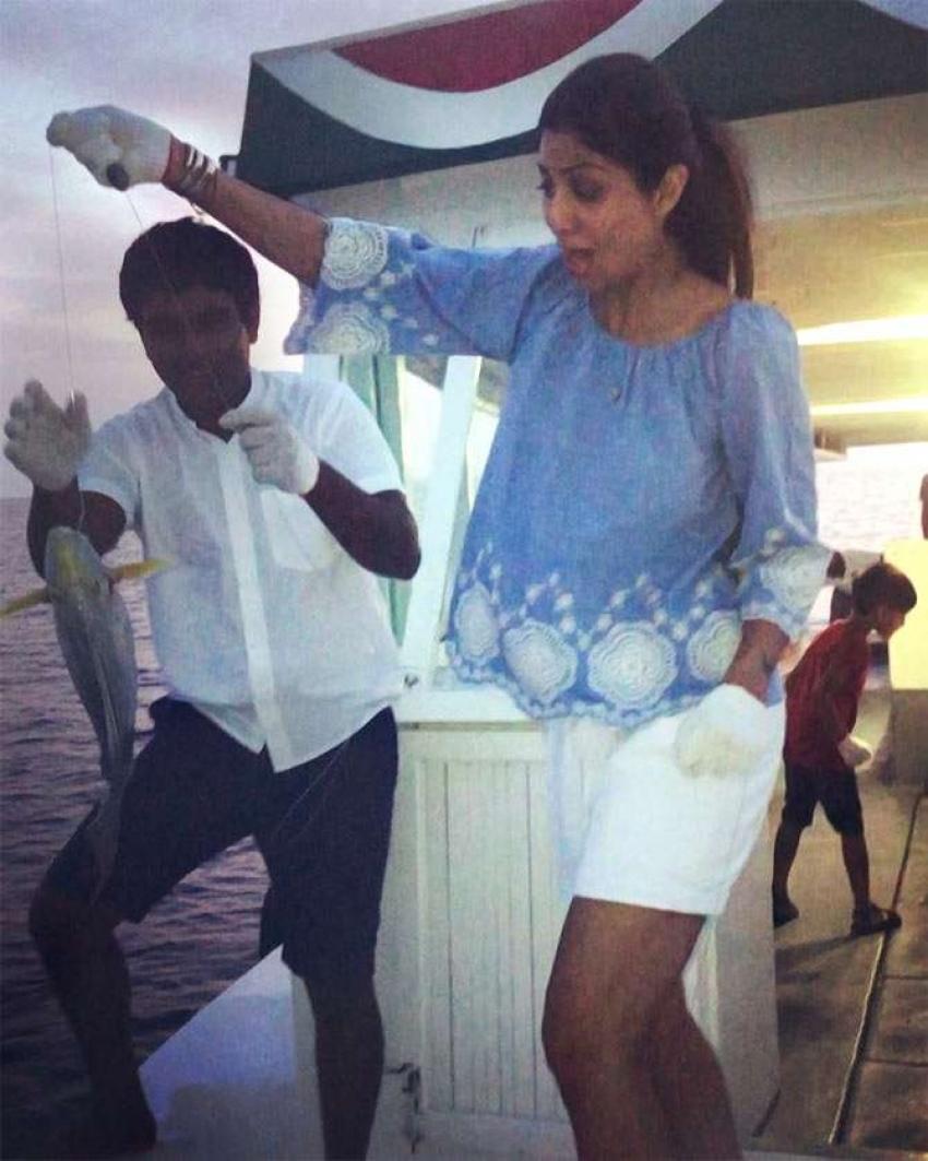 Shilpa Shetty Maldives Vacation With Family Photos