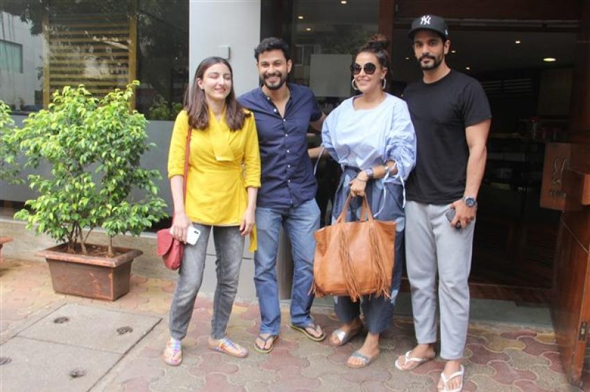 Soha , Kunal, Neha Dhupia & Angad Bedi Spotted At Solt Water Photos