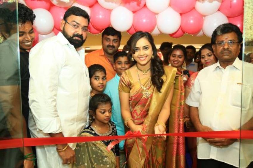 Sri Divya Launches Sri Kanchi Pattu Photos