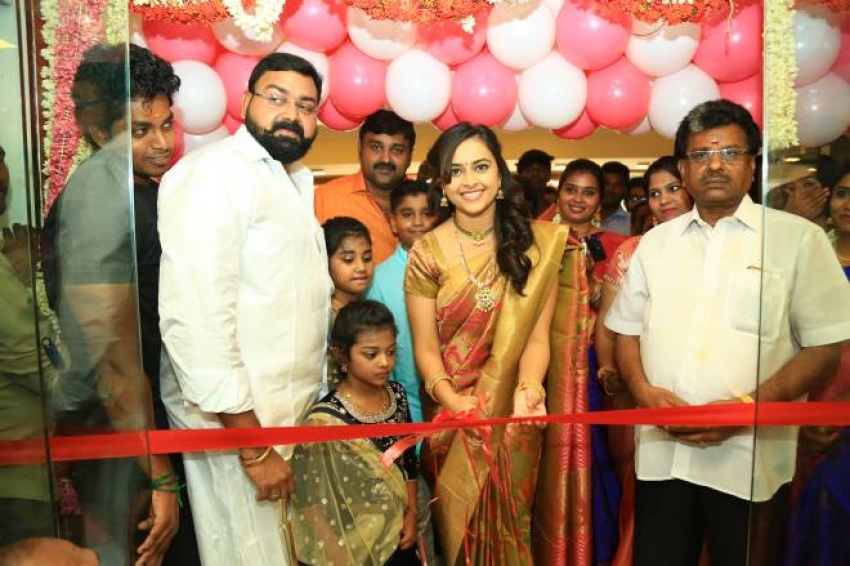 Sri Divya Launches Sri Kanchi Pattu Photos