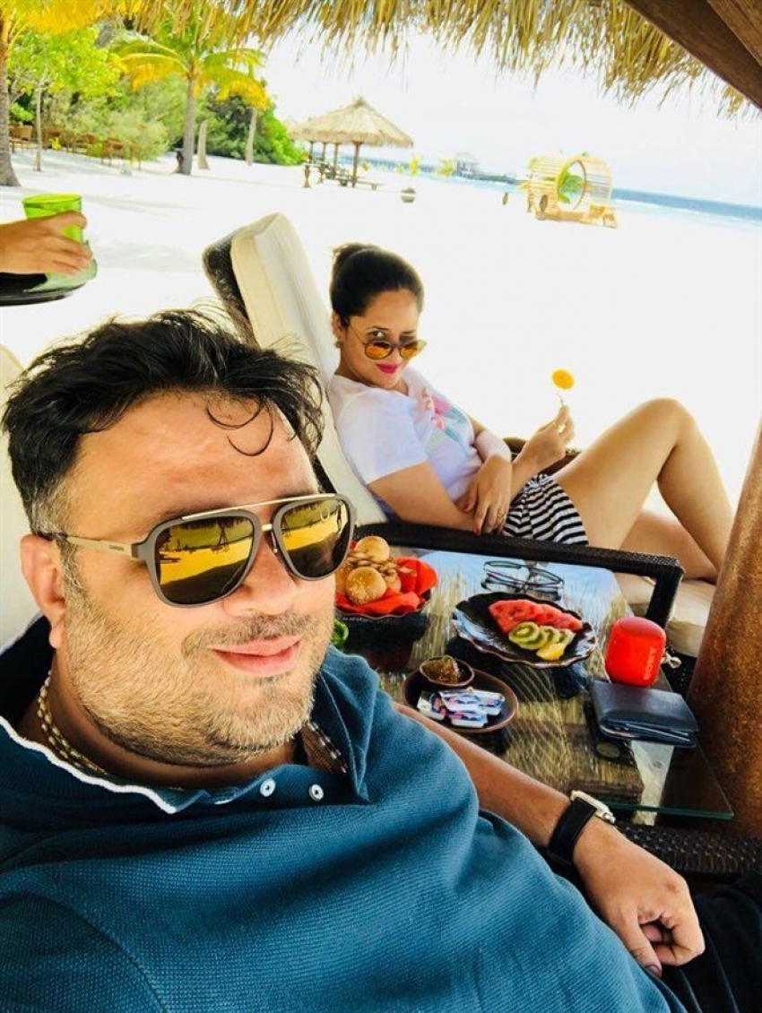 Anchor Anasuya Latest Pics From Her Holiday Photos