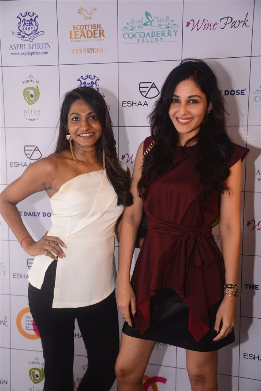 Esha Amin Party With Pooja Chopra Photos