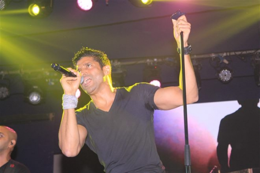 Farhan Akhtar Perform Live Concert Love For Life Begans With Music Photos