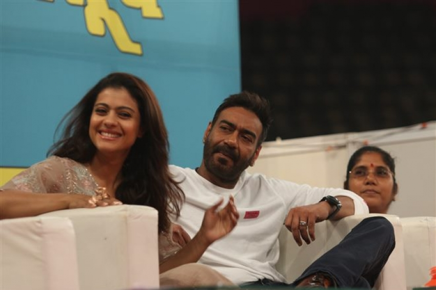 Kajol & Ajay Devgan Support Plastic Ban In Maharastra Photos