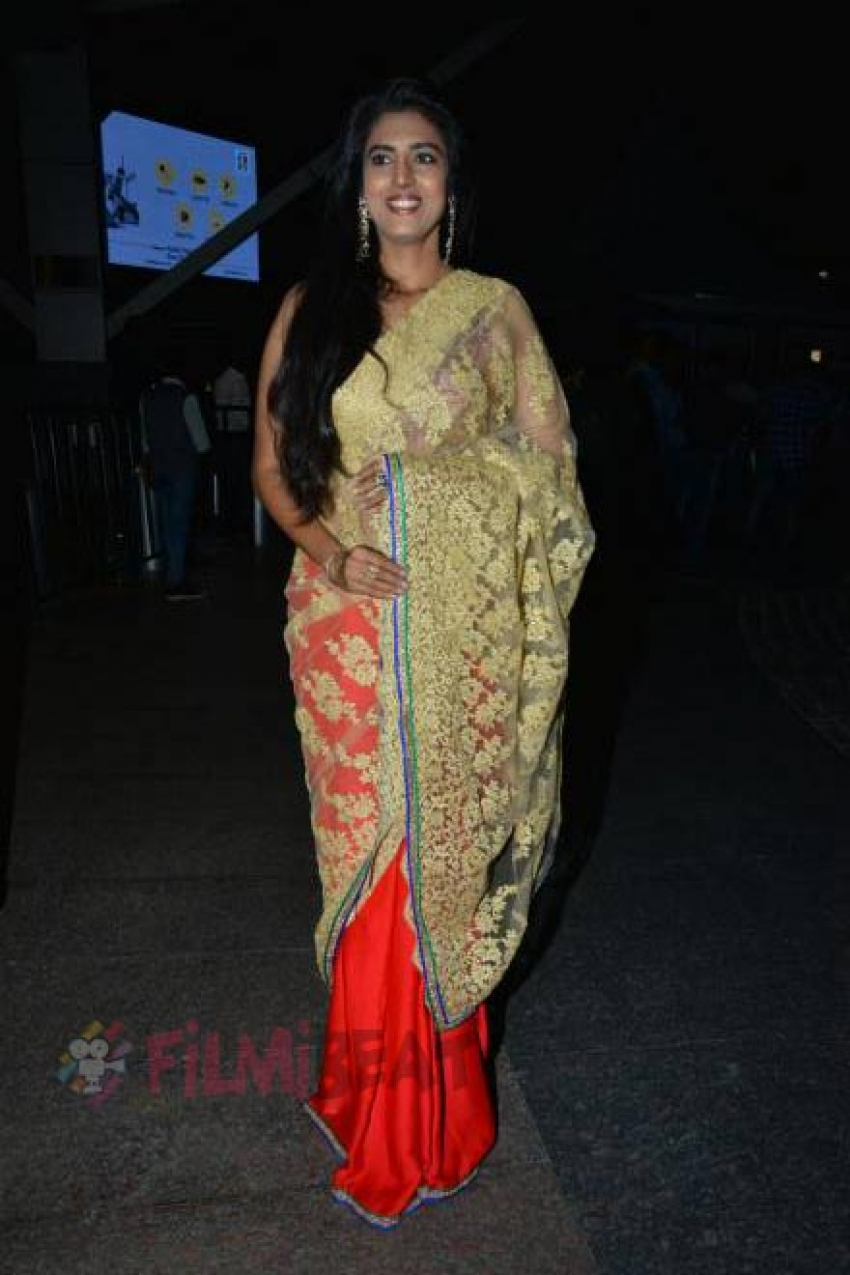 Kasthuri Photos
