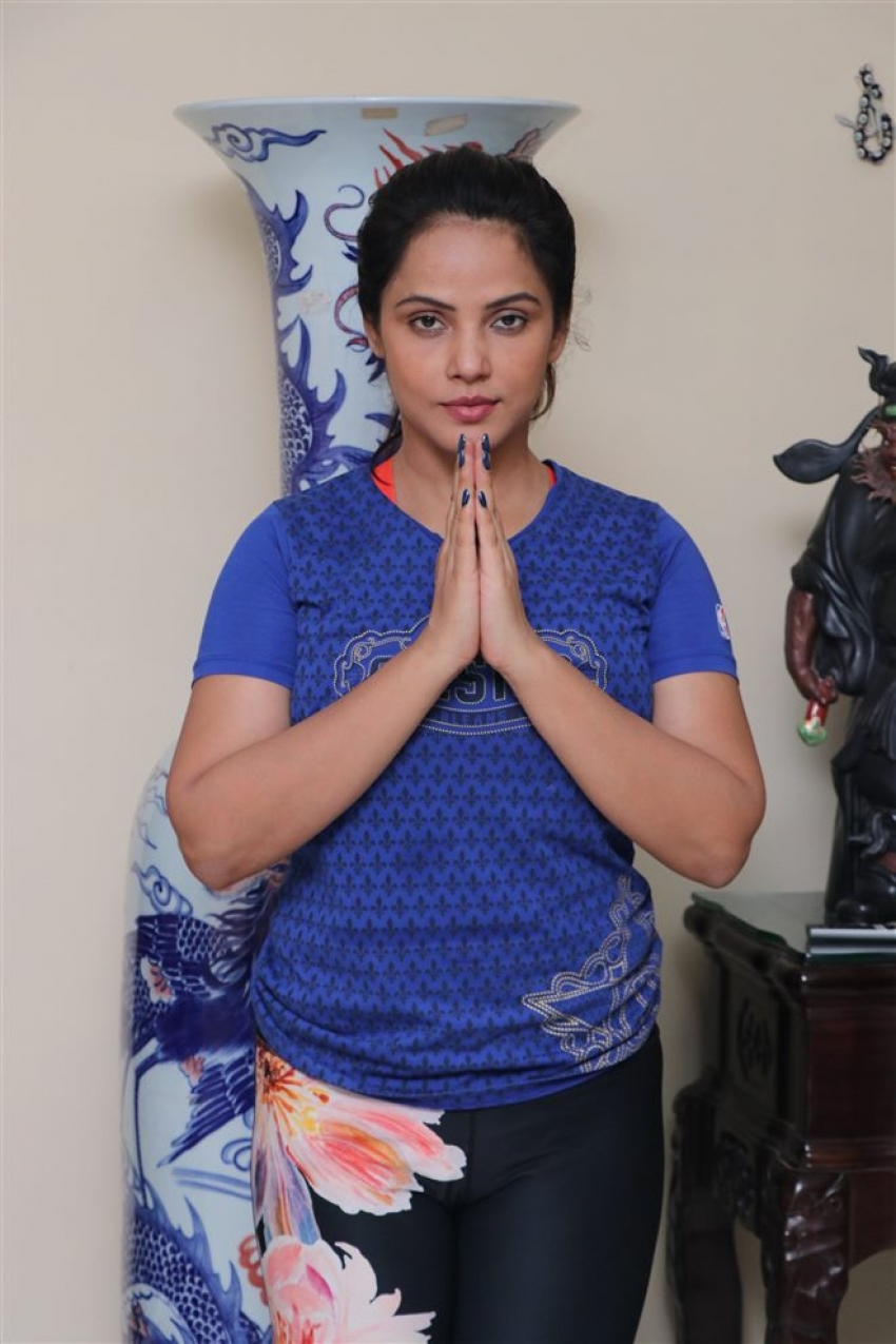 Neetu Chandra Celebrates Yoga Day 2018 Photos