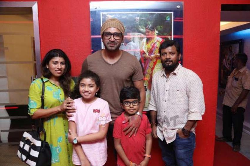 Oru Kuppai Kathai Movie Premier Show Photos