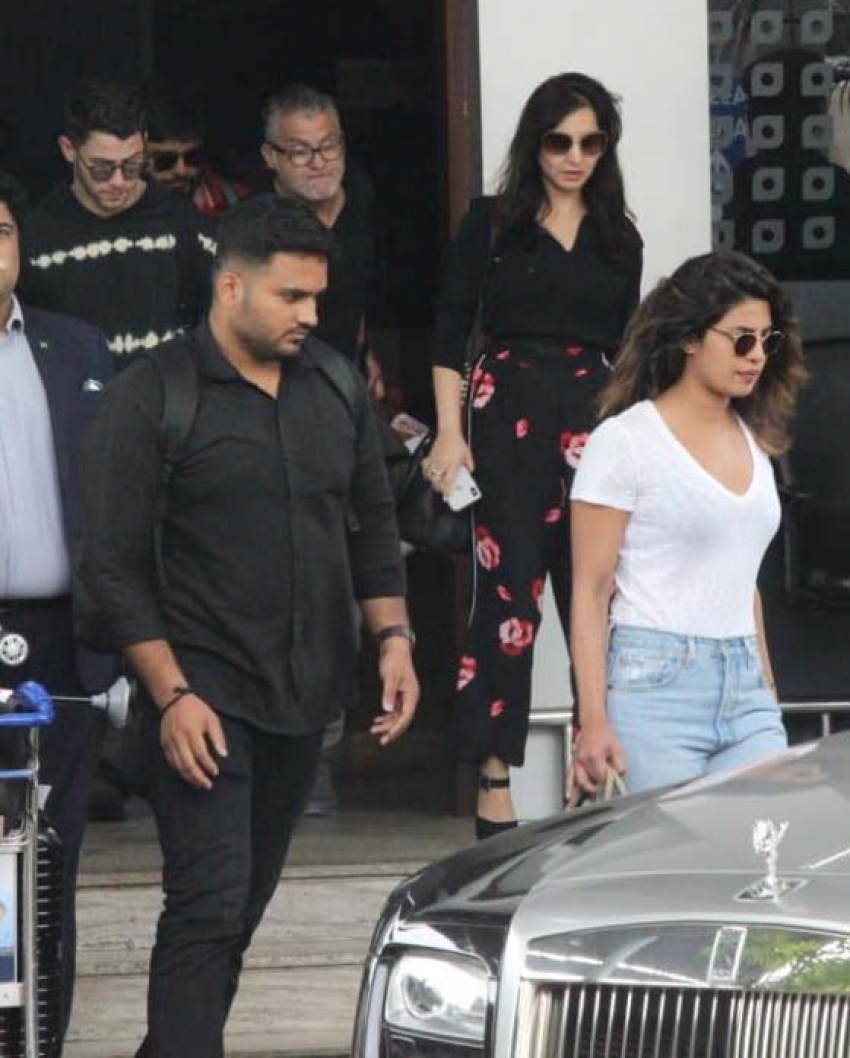 Priyanka Chopra And Nick At Mumbai Airport Photos