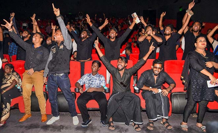 Rajinikanth's Fan's Celebrating Kaala's First Day First Show In Mumbai Photos