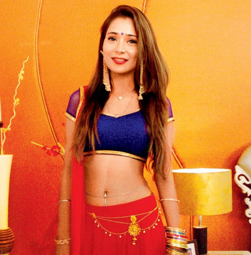 Sara Khan Photos