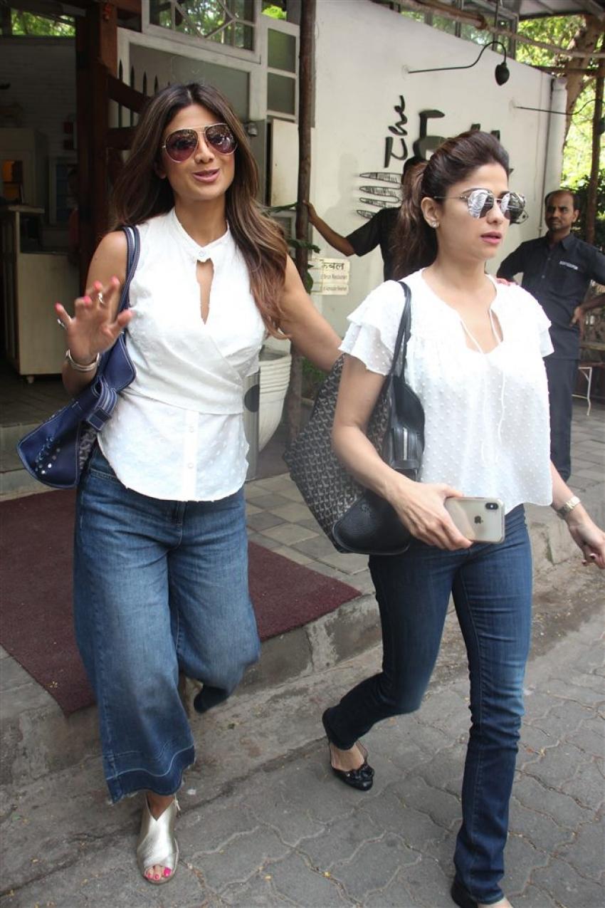 Shilpa Shetty And Shamita Shetty Spotted At Fable Juhu Photos