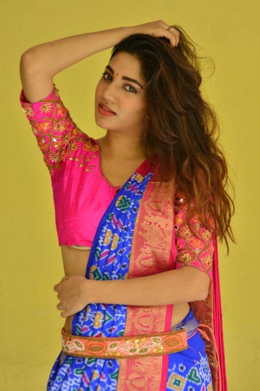Sonakshi Singh Rawat Photos