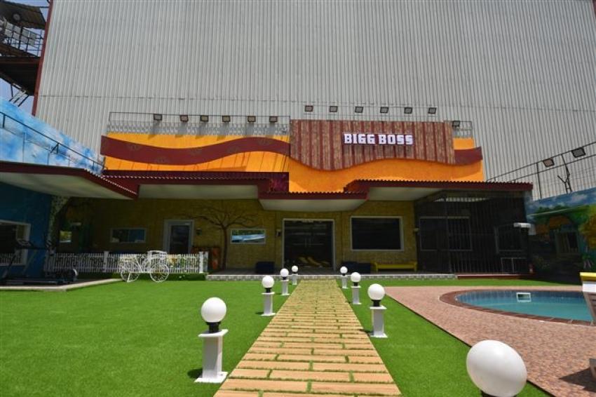 Tamil Bigg Boss 2 On Location Photos