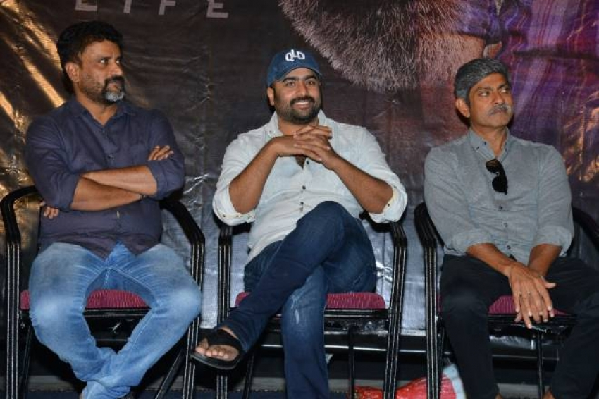 Aatagallu Movie Trailer Launch Photos