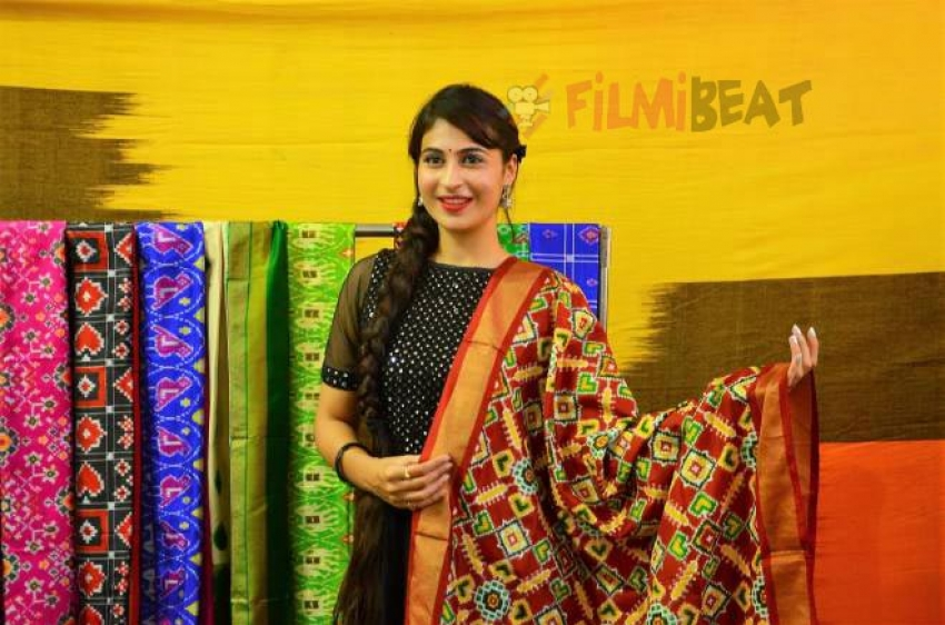 Actress Priya Chowdary Inaugurates IKAT Art Mela At Vijayawada Photos