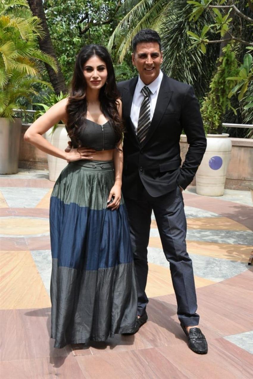 Akshay And Mouni Roy Promote Movie Gold Film Photos