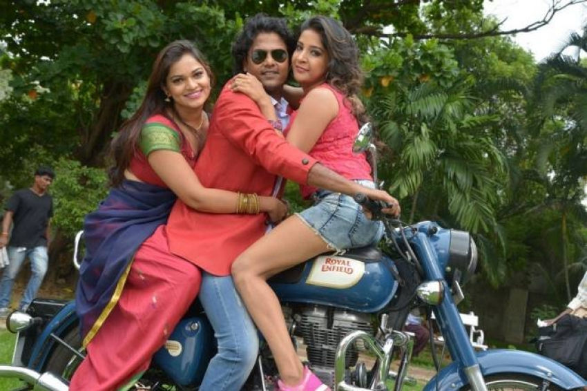 Jayikkira Kudhira Photos