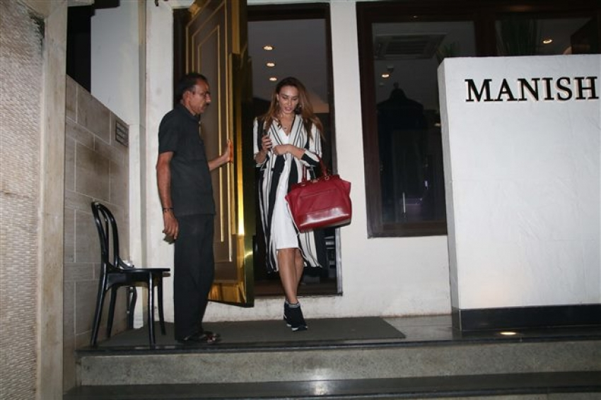 Lulia Vantur Spotted At Manish Malhotra Store Photos