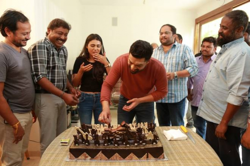 Nandamuri Kalyan Ram Birthday Celebration On NKR 16 Sets Photos
