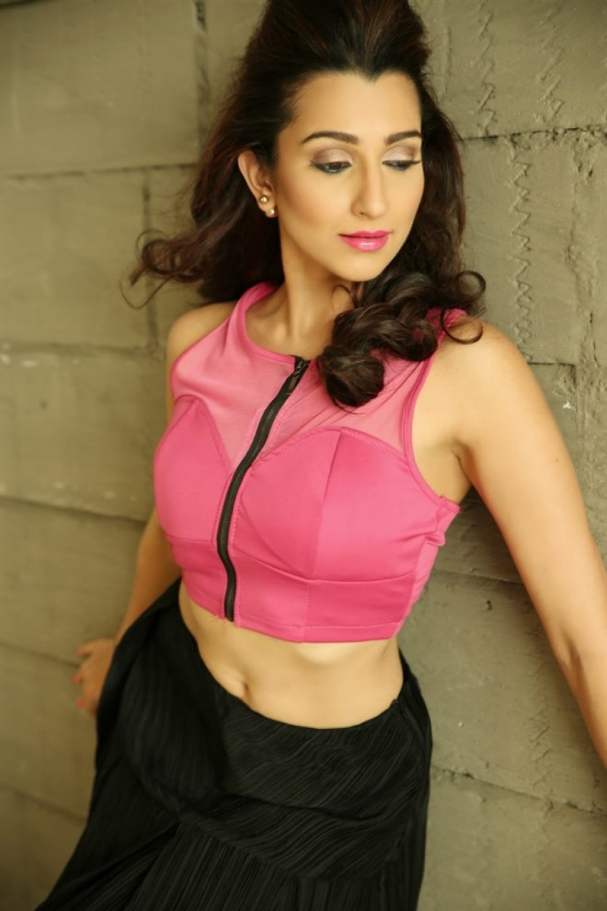 Pooja Kanwal Photos