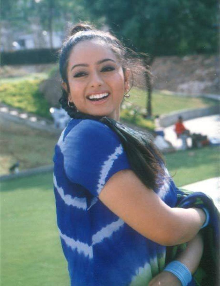 Remembering Versatile Actress Soundarya Rare Unseen Photos