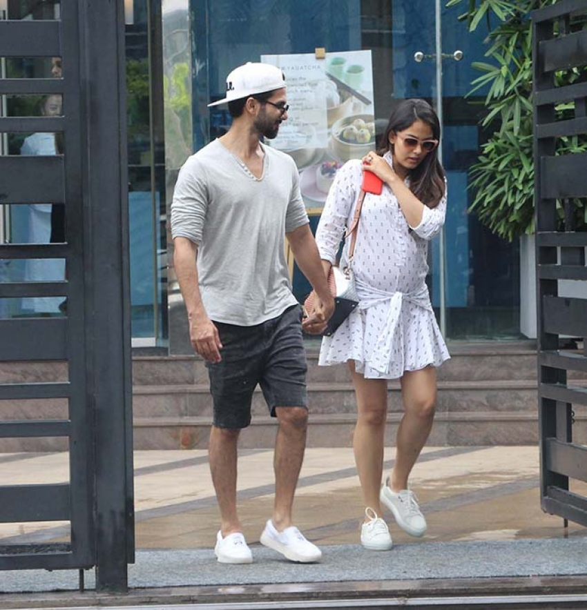 Shahid Kapoor With Wife Mira Rajput Spotted At Yauatcha Bkc Photos