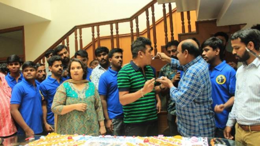 Shiva Rajkumar Celebrates His 56th Birthday With Fans Photos