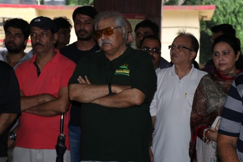 Veteran Actress Rita Bhaduri  Funeral Photos