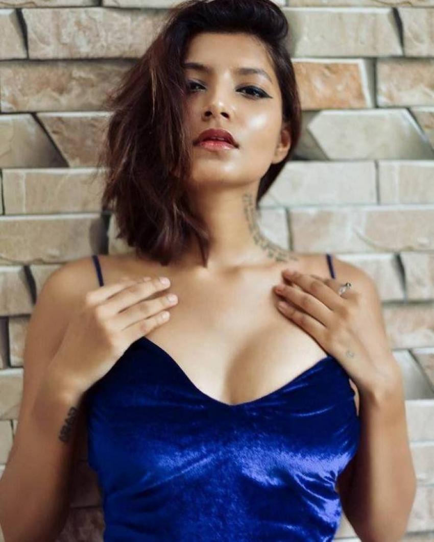 Aastha Sharan  Hot And Spicy Photos