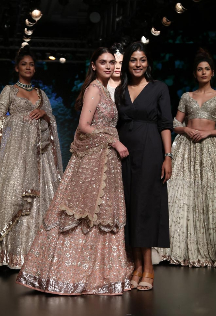 Aditi Rao Hydari walk the ramp at Lakme Fashion Week 2018 Photos