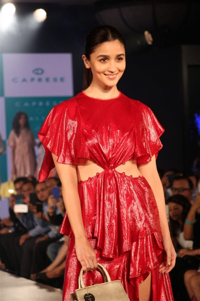 Alia Bhatt Walks The Ramp For Caprese Photos