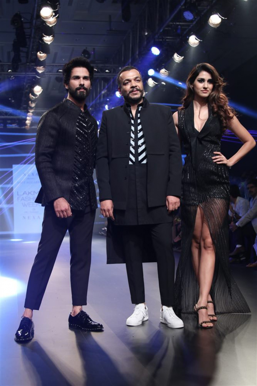 Disha Patani & Shahid Kapoor Walk the Ramp at Lakme Fashion Week 2018 Photos