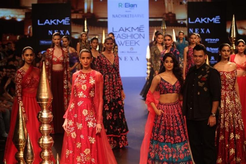 Janhvi Kapoor walks the Ramp at Lakme Fashion Week 2018 Photos