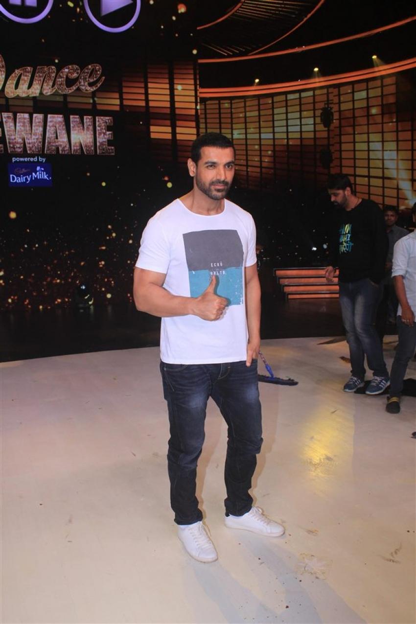 John Abraham Promotes Satyamev Jayte On The Set Dance Deewane Photos