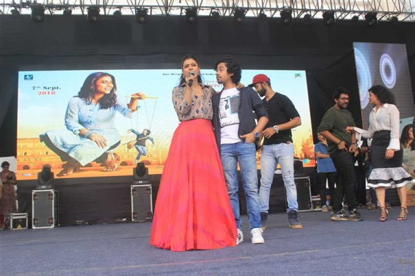Kajol Promote Helicopter Eela At NM College Photos