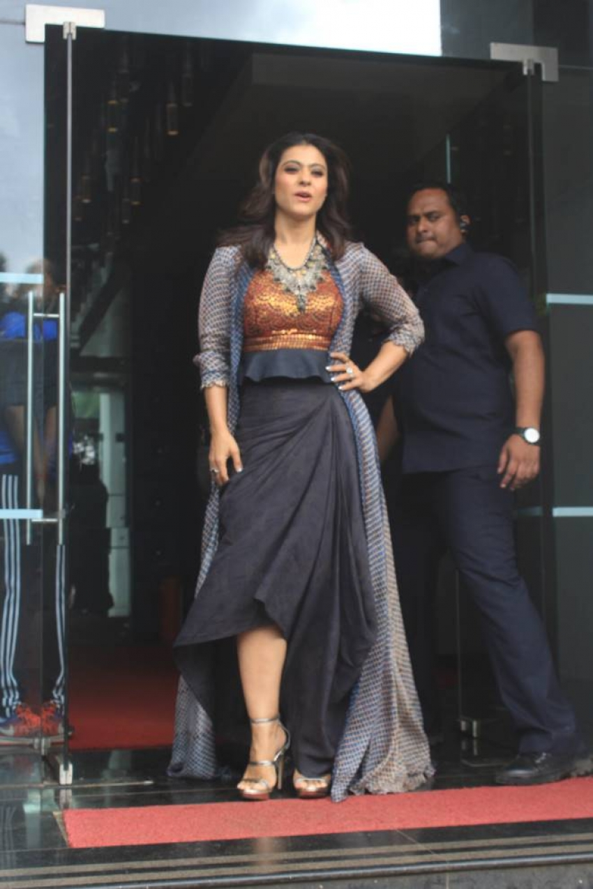 Kajol Promote Helicopter Eela On the Sets Of Dil Hai Hindustani 2 Photos