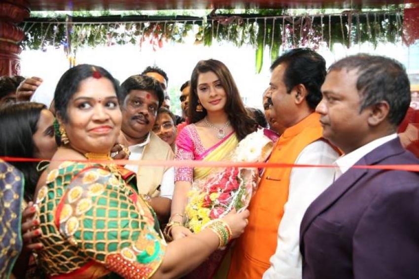 Kalyana Maha Lakshmi Shopping Mall Inauguration By Payal Rajput Photos