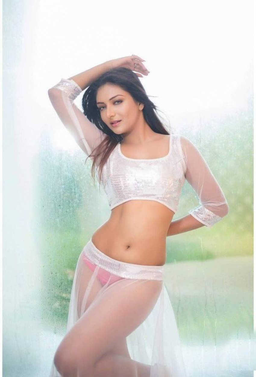 Khushi Mukherjee Photos