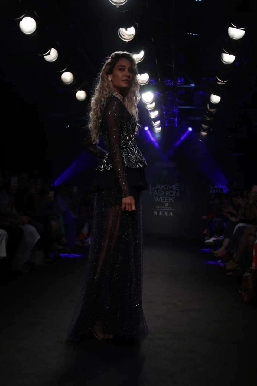 Lisa Haydon walk the ramp at Lakme Fashion Week 2018 Photos