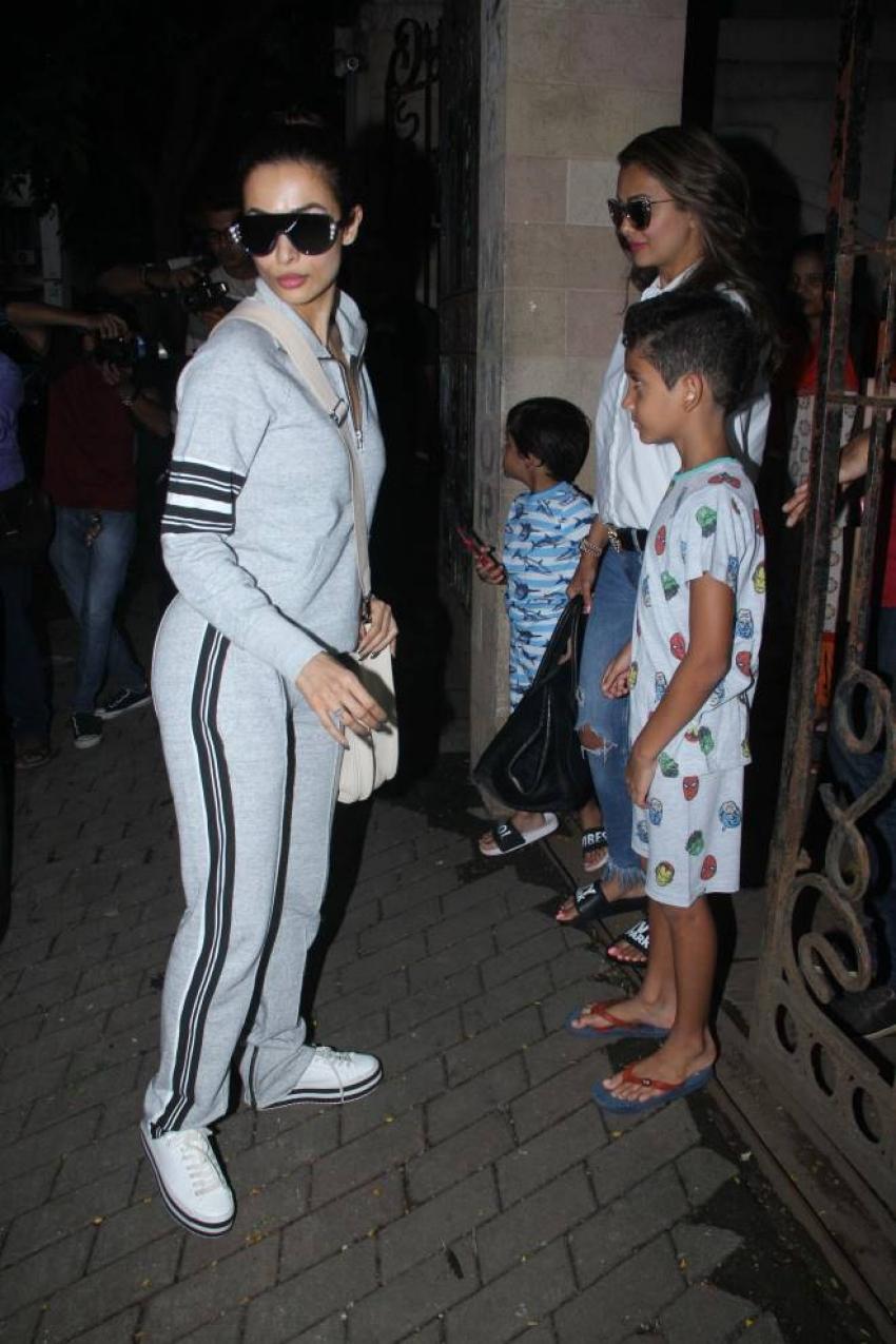 Malaika And Amruta Arora with kids Spotted At kareena Kapoor Apartment Photos