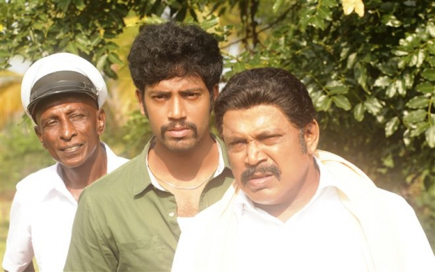Maniyar Kudambam Photos