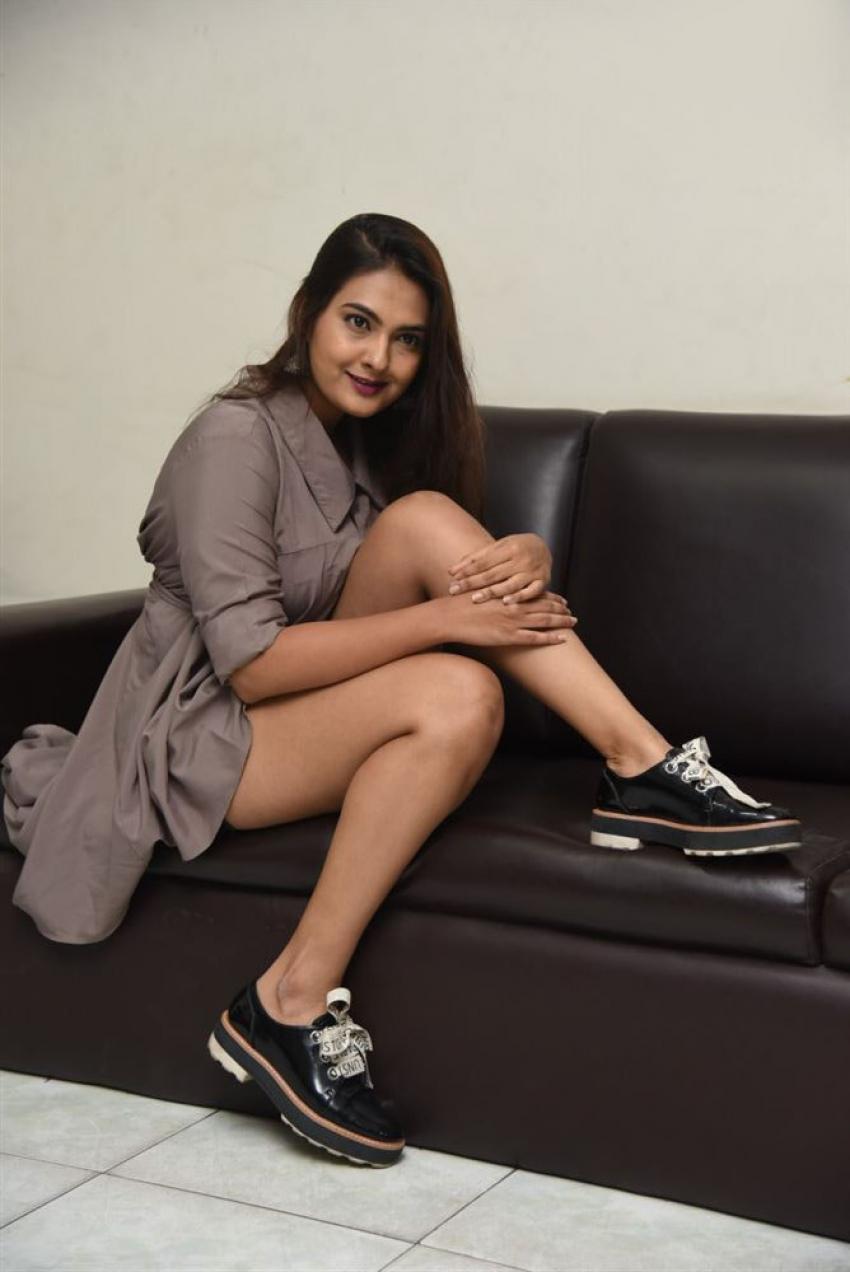 Neha Deshpande Photos
