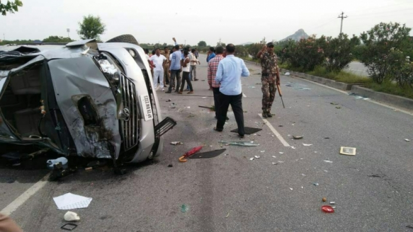 NTR's Son and Former MP Nandamuri Harikrishna killed In Road Accident Photos