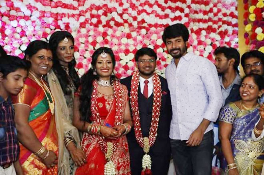 Poovai Mani Wedding Reception Photos