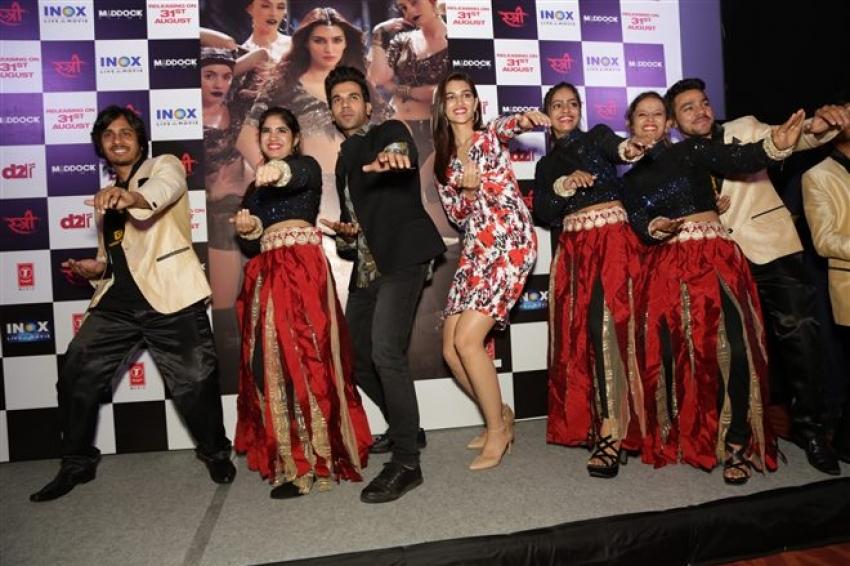 Raj Kumar Rao And Kriti Sanon At Song Launch Aao Kabhi HaveliPe In New Delhi Photos