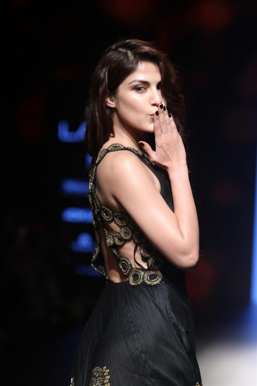 Rhea Chakraborty Walks The Ramp At Lakme Fashion Show 2018 Photos