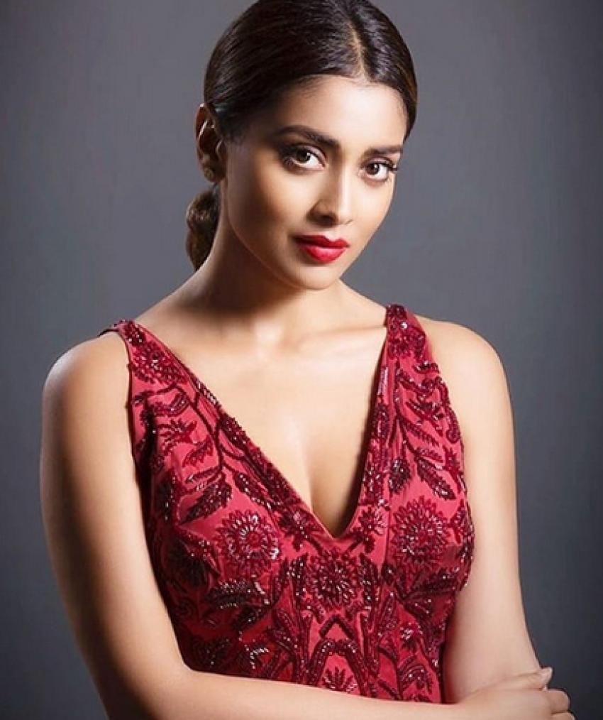 Shriya Saran Latest 2018 Photoshoot Photos