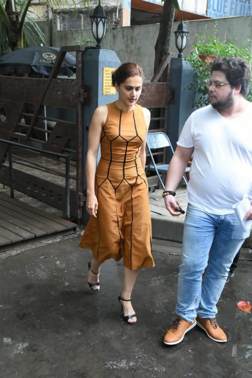 Taapsee Pannu with Her Rumored Boy Friend At Bandra Photos
