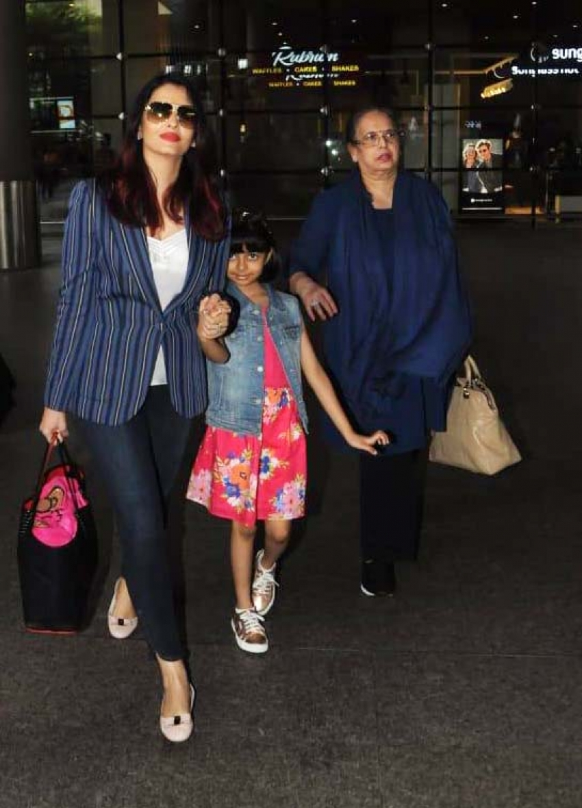 Aishwarya Rai Bachchan  & Aaradhya Spotted At Mumbai Airport Photos